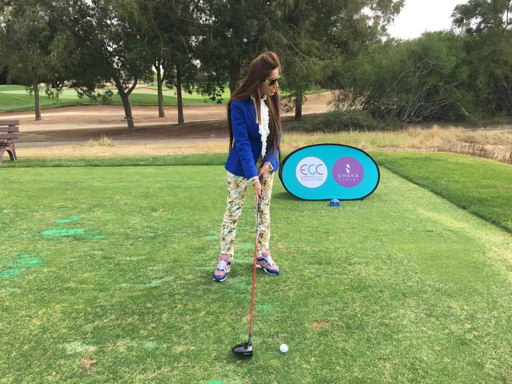 Uroosa Kashaf Playing Golf proving that Golf is Good for You